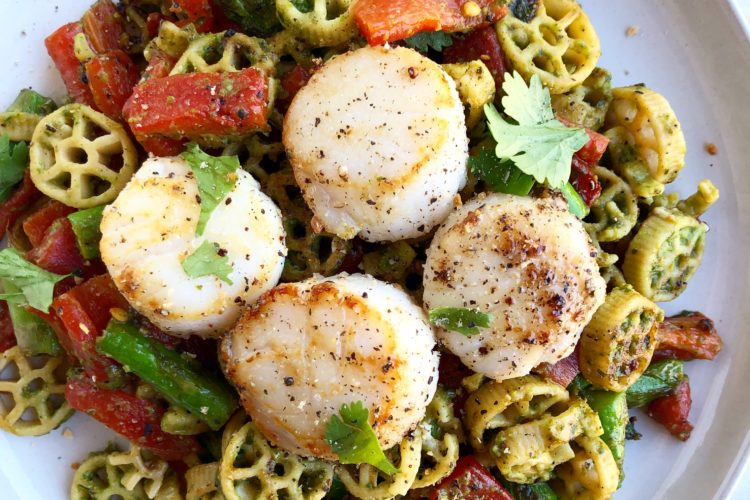 Roasted Red Bell Pepper and Blanched Asparagus Pesto Pasta + Seared Scallops